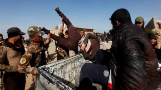 رغم نفي سابق.. مخابرات العراق تعترف بحجز المئات