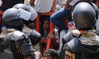 الاحتجاجات تزيد الضغوط على العبادي