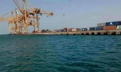 التحالف: الحوثيون يعرقلون حركة الملاحة البحرية بميناء الحديدة