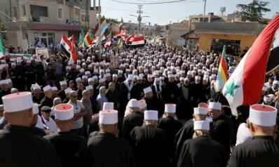 بعد دفن الدروز السوريين للضحايا… تنامي الغضب ضد النظام وهجمات تنظيم «الدولة»