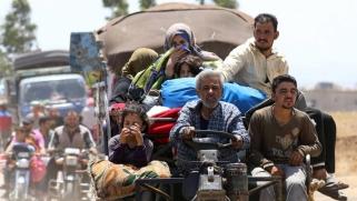 آلاف النازحين يعودون إلى منازلهم بعد اتفاق وقف القتال في درعا