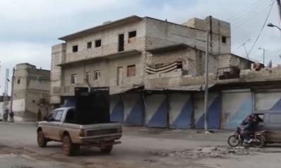 قصف لإدلب بالفوسفور ومطالب بإجلاء المدنيين
