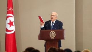 الرئيس التونسي يختصر الإصلاحات الاجتماعية في المساواة في الإرث