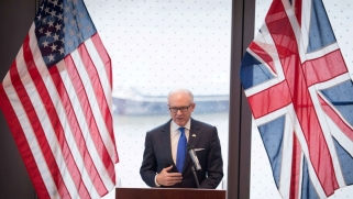 ضغوط أميركية على بريطانيا للتخلي عن دعمها للاتفاق النووي الايراني