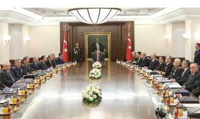«الراهب» يتسبب في أسوأ أزمة بين واشنطن وأنقرة هل قرر ترامب التعامل مع تركيا على «الطريقة الإيرانية»؟