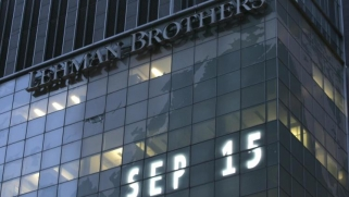 تحذير من أزمة مالية جديدة بعد 10 سنوات