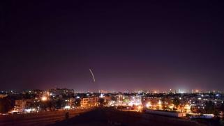صواريخ إسرائيلية تستهدف مخزنا للأسلحة قرب مطار دمشق