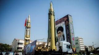 حرب الفيديو والصواريخ.. الحرس الإيراني يهدد الإمارات والسعودية وإسرائيل