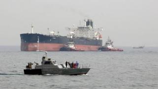 توقف نفط إيراني في عرض البحر مع انخفاض الطلب