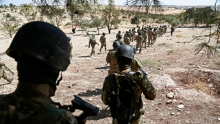 فرنسا تهدد بقصف سوريا إذا استخدم الكيمياوي