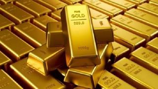 الذهب يفقد بريقه … والدولار يرتفع