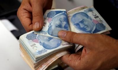 الليرة التركية تعّوض بعض خسائرها