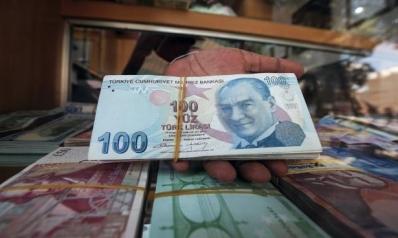 الليرة التركية تسجل أعلى سعر أمام الدولار منذ شهرين