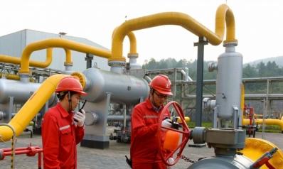 شركات النفط الصينية تغلق أكبر منافذ الصادرات الإيرانية
