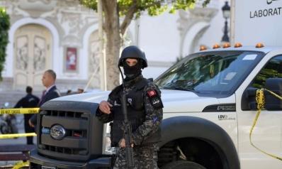 الإرهاب يضرب تونس وسط أزمة سياسية حادة