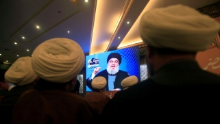 حسابات سعودية لإيران وحزب الله تعرقل الحكومة اللبنانية