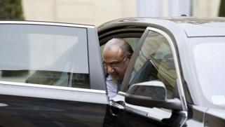 أحزاب شيعية وسنية وكردية تحذر عادل عبدالمهدي من تمرير أجندة الصدر