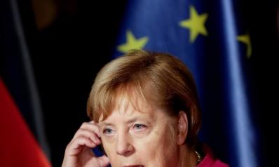 ميركل مستعدة للتخلي عن حزبها لمنع تحالفها في الحكومة من التفكك