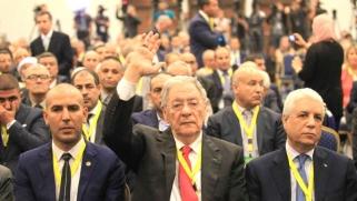 استقالة ولد عباس تسهل طريق أويحيى لرئاسة الجزائر