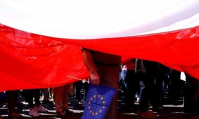 خلافات التاريخ والسياسة تباعد بين شرق وغرب أوروبا