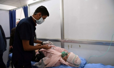 """نحو مئة حالة اختناق في قصف بـ""""غازات سامة"""" على حلب"""
