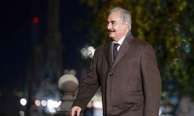 إشارات فرنسية داعمة لخيار حفتر في السيطرة العسكرية على طرابلس
