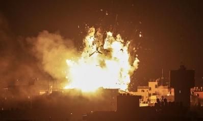 الاحتلال الإسرائيلي يدمر مبنى فضائية الأقصى بغزة