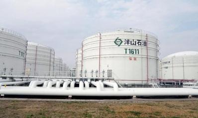 النفط يتعافى من أسوأ أيامه في 3 أعوام مع اتجاهات لخفض المعروض