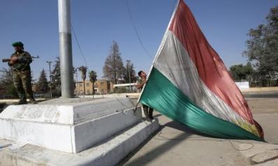أزمة كركوك: حزب البارزاني يطالب برفع العلم الكردي بالمحافظة