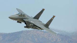 طيران التحالف يستهدف عناصر لداعش في سوريا