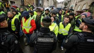 """متظاهرو """"السترات الصفراء"""" يأملون في تعبئة جديدة قبل ثلاثة أيام من عيد الميلاد"""