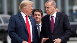 مكالمة غيرت مسار الحرب بسوريا.. ترامب أراد تحذير أردوغان فسحب قواته