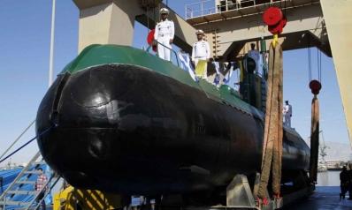 إيران تضم سفينة حربية لأسطولها لا يكشفها الرادار