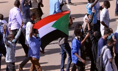 بعد مسيرة القصر الجمهوري.. توجه لإضراب عام وعصيان مدني بالسودان