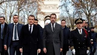 السترات الصفراء بفرنسا.. عشرات الجرحى والمعتقلين وماكرون يحاول احتواء العنف