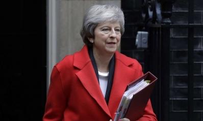 ماي تضيّق الخناق على البرلمان بثلاثة خيارات حول بريكست لا رابع لها