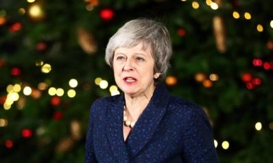 ماي تنجو من حجب الثقة وتتعهد بإتمام الانسحاب من الاتحاد الأوروبي
