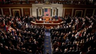 """في تحد لترامب.. """"الشيوخ"""" الأميركي يقر قانونا بإنهاء دعم حرب اليمن"""