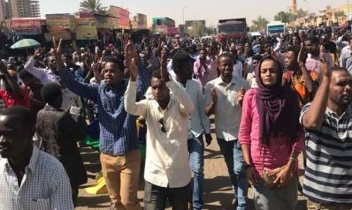 الثورة السودانية.. بين نموذج مانديلا وسنّة بينوشيه