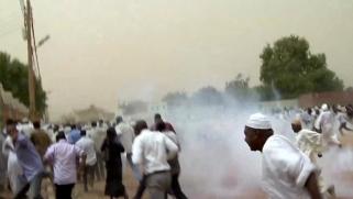 تجدد الاحتجاجات في السودان وتيار سلفي ينضم للتظاهرات