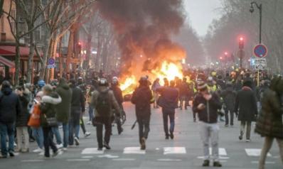 باريس تخسر الرهان… و«السترات الصفراء» تعود