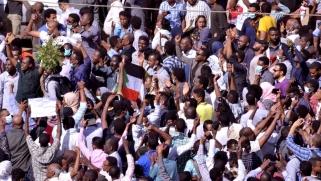 """دعوات للتظاهر اليوم في السودان والحكومة تحذر من """"التخريب"""""""