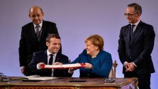 المعاهدة الفرنسية الألمانية خطوة باتجاه تشكيل جيش أوروبي موحد