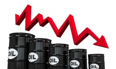 النفط يبدأ العام 2019 على انخفاض