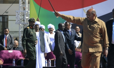 إلى متى سيبقى الرئيس السوداني صامدا في مواجهة احتجاجات تزداد زخما