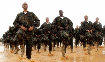 الإسلاميون يخططون لتشكيل قوة موازية للجيش الليبي