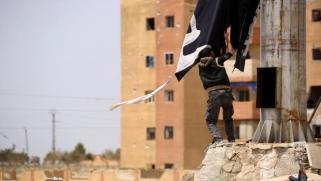 """أفول """"داعش"""" في سورية… بداية احتدام الصراع الداخلي والخارجي"""