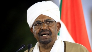 البشير يأمر بمراجعة اتفاق إدارة مرفأ بورتسودان
