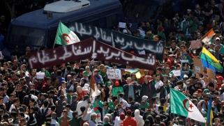 شخصيات جزائرية معارضة تدعو بوتفليقة للتنحي