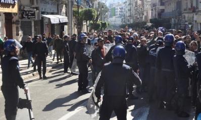 مظاهرات الجزائر.. وفاة نجل أول رئيس حكومة بعد الاستقلال